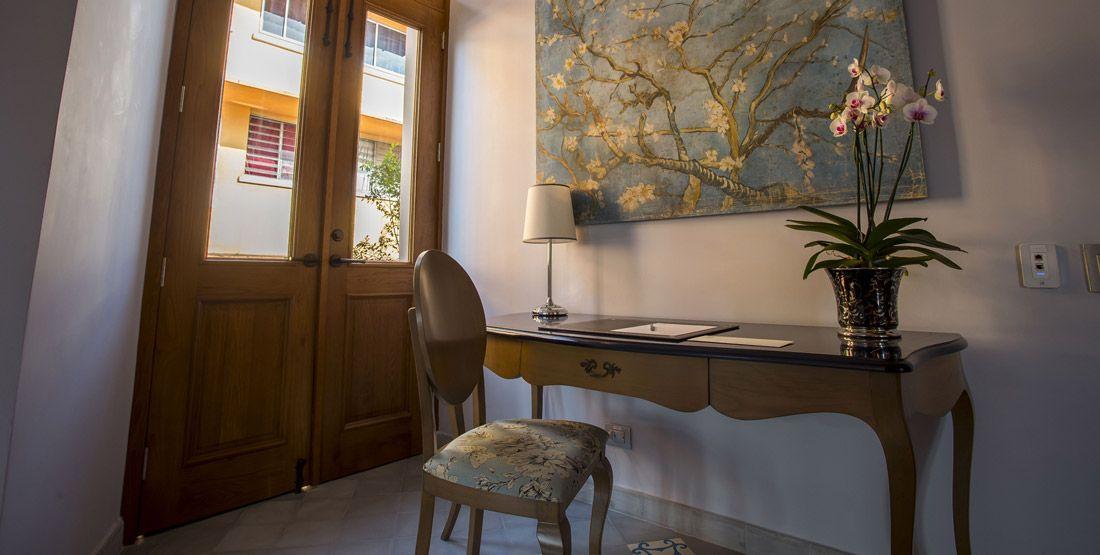 Corner Suites Room - La Concordia Boutique Hotel - Casco Viejo - Panama