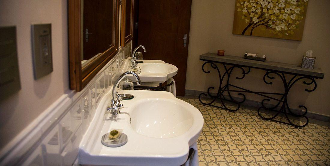 Santa Ana Deluxe Room - La Concordia Boutique Hotel - Casco Viejo - Panama